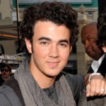 kevin_jonas_sweater-thumb-200x219-3863