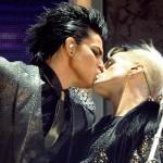 Adam Lambert AMA Kiss