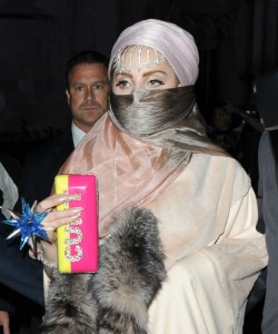 Lady Gaga Burka